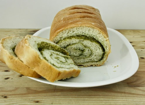 Pesto swirl bread | Happy in Red