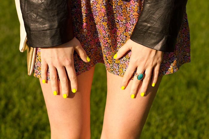 Fashion Blogger, Alison Hutchinson, wearing H&M floral dress, Forever 21 leather jacket, H&M Pink and gold bag, neon yellow nails