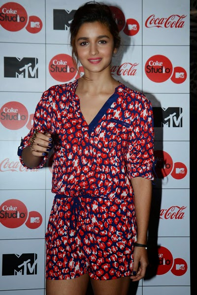 Alia Bhatt and Sidharth Malra launched the MTV Coke Studio Season 4 at Villa 69 3.jpg