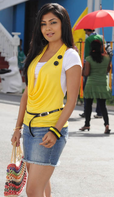 ramachari movie heroine kamalini mukherjee photos11