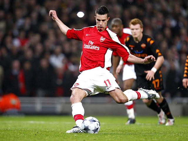 http://4.bp.blogspot.com/-DdkcKYuq7QQ/TY9VpfaNgoI/AAAAAAAAFQU/wo_1ZybwpsA/s1600/Robin-Van-Persie-Arsenal-AS-Roma-Champions-Le_1913053.jpg