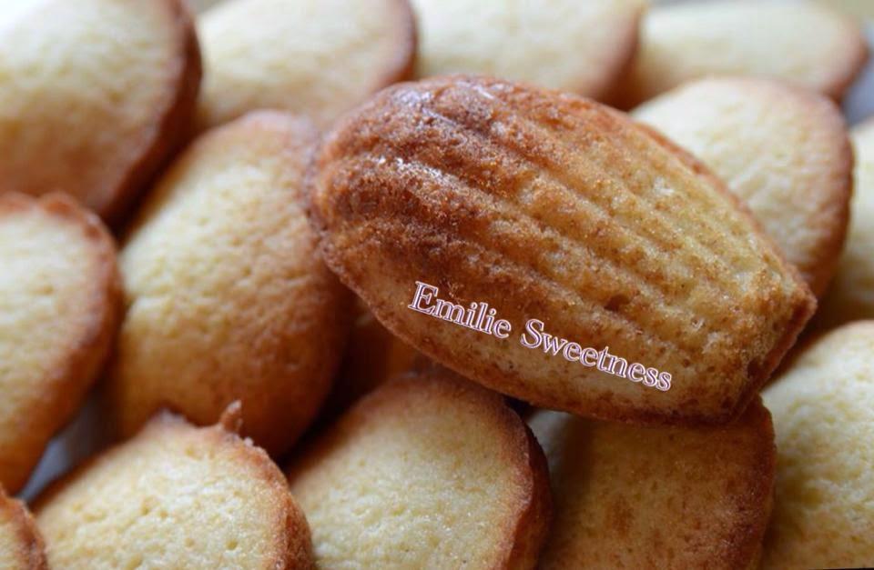 http://emiliesweetness.blogspot.co.uk/2014/07/madeleines-la-vanille.html