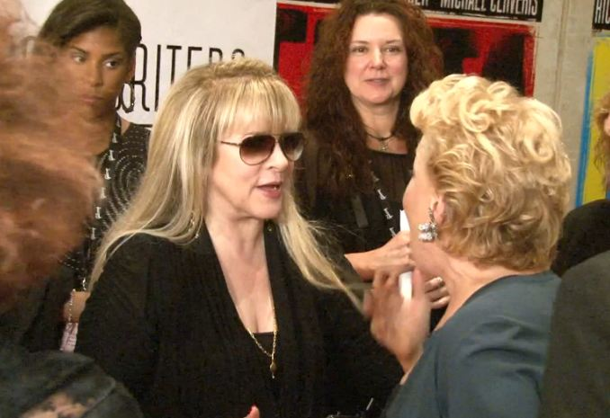 Fleetwood mac news video press line stevie nicks with bette video press line stevie nicks with bette midler songwriters hall of fame ceremony m4hsunfo