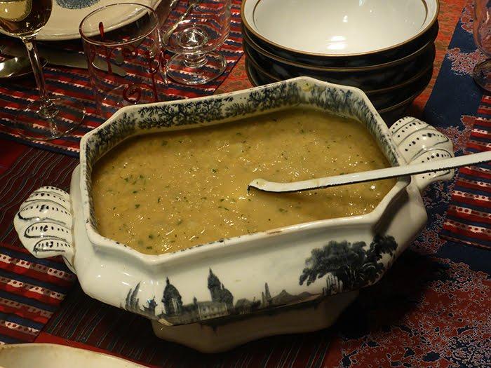Minestra indiana di lenticchie rosse con finocchio e limone