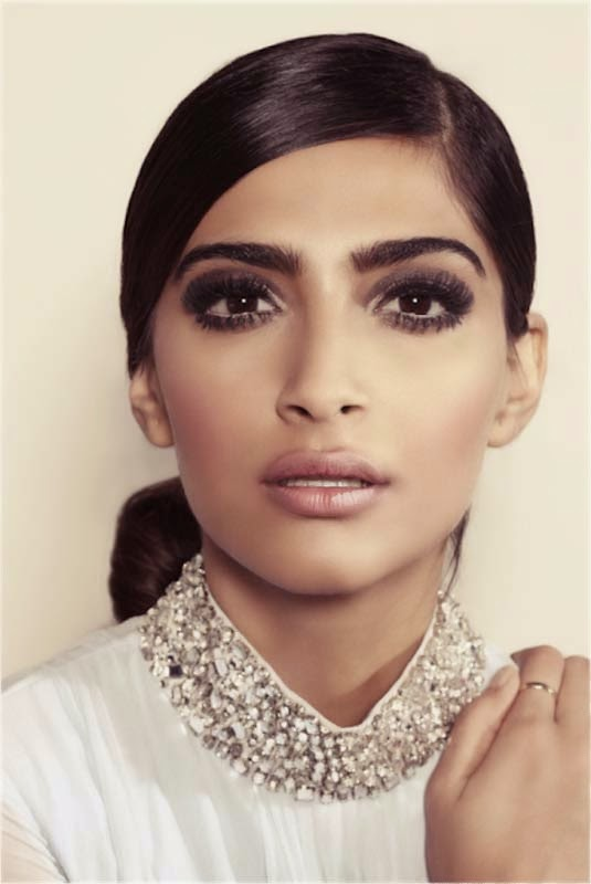 Sonam Kapoor hot fashion mantra hd wallpapers