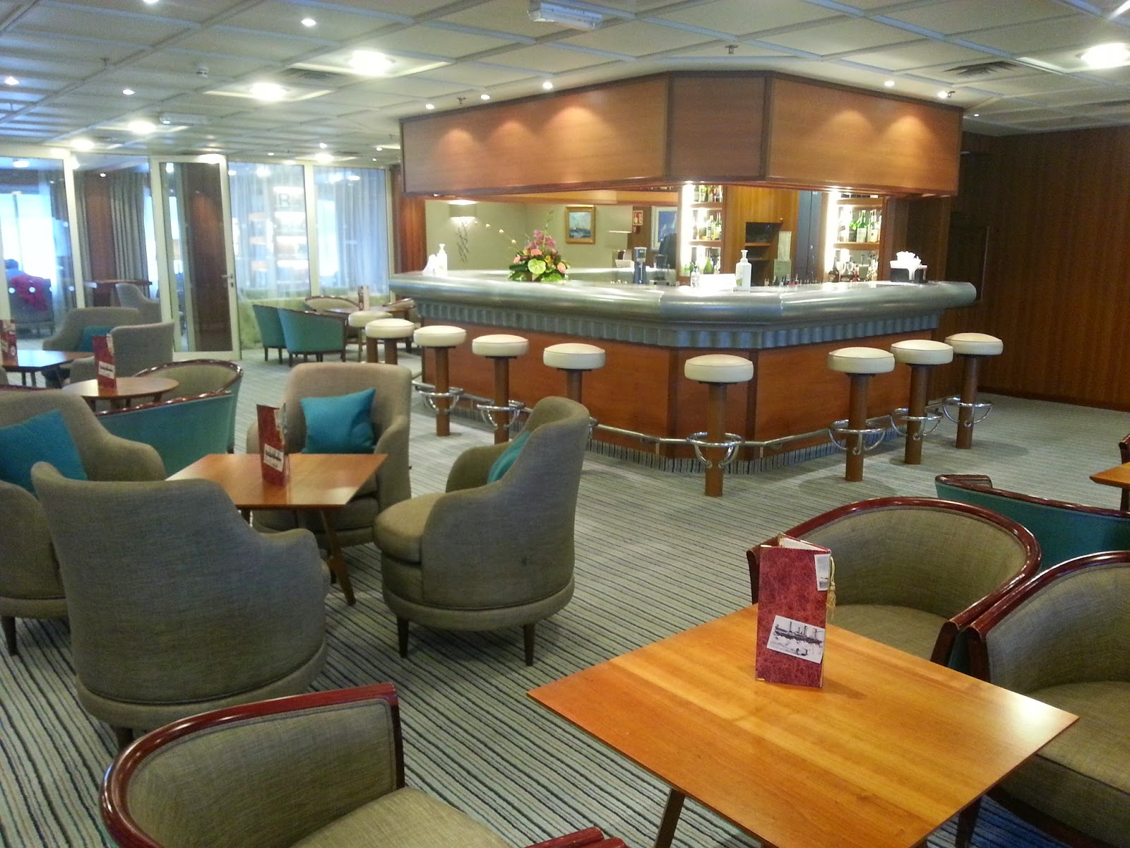 Cruise Ship Saga Pearl II - Shackleton's Bar