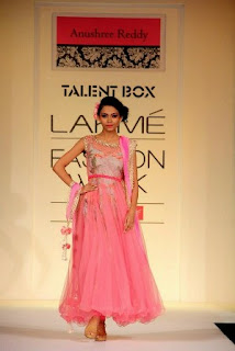 Lakme-styel-of-fashion