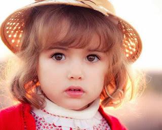 Model rambut pendek ikal anak perempuan cantik terbaru
