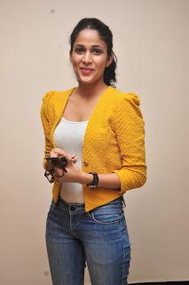 Lavanya Tripathi glamorous Pictures 021