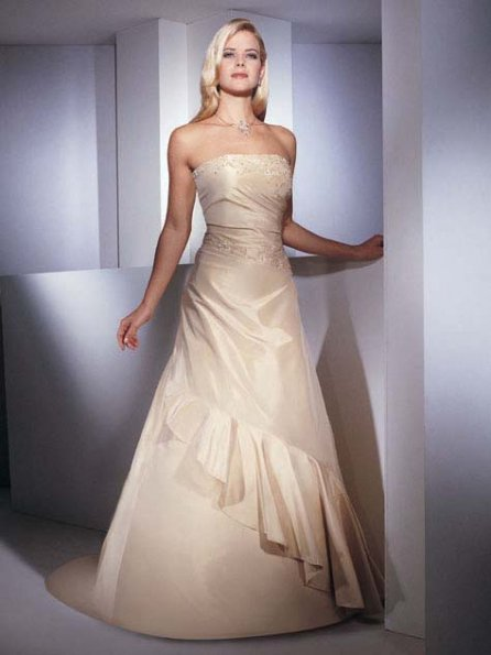 Cream colored wedding dresses discount wedding dresses for Cream colored lace wedding dresses