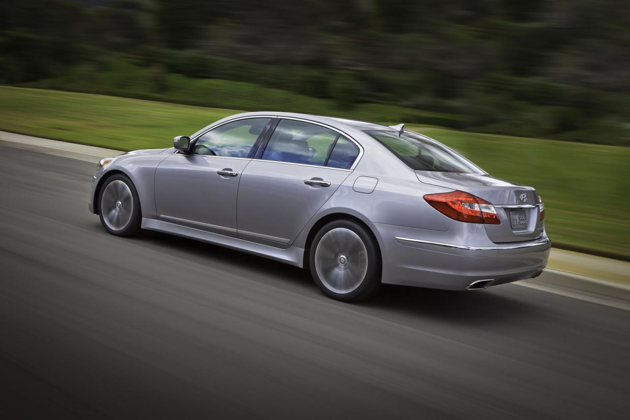 [Resim: Hyundai+Genesis+2.jpg]