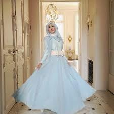 model gaun pesta muslimah dian pelangi
