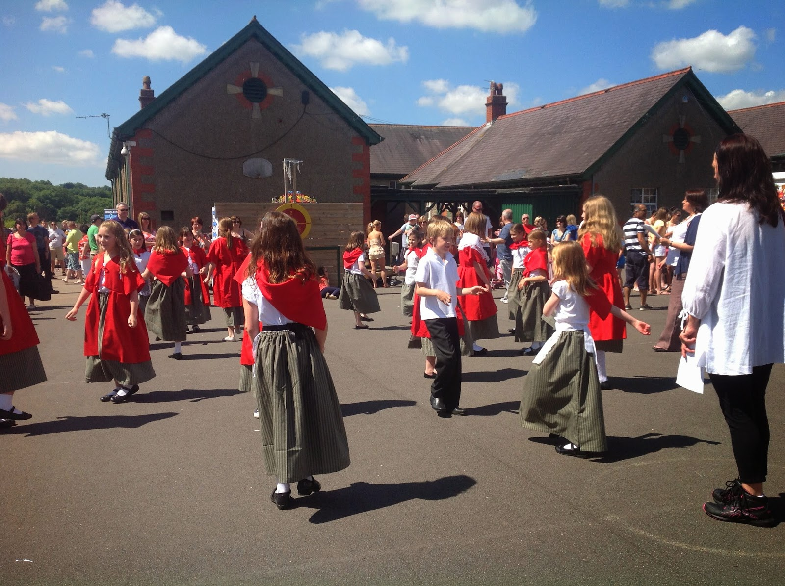 school fete Directed by stuart allen with barry evans, george camiller, tommy godfrey, jacki harding the school hosts a charity bazaar and needs a celebrity to be the master of ceremonies.