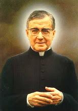 São Josemaría Escrivá, presbítero e confessor