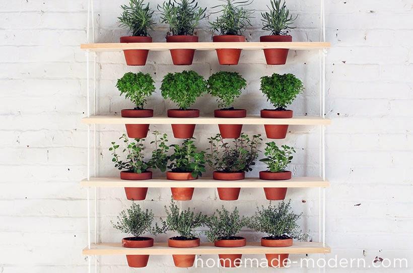 diy un jardin d 39 aromates vertical initiales gg. Black Bedroom Furniture Sets. Home Design Ideas