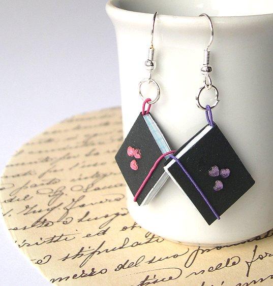 Copybook earrings paper