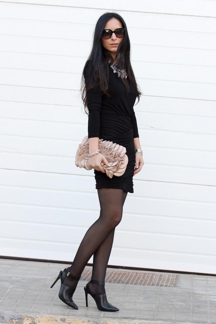 Tendencia vestido mini con falda drapeada y mules blogger española withorwithoutshoes