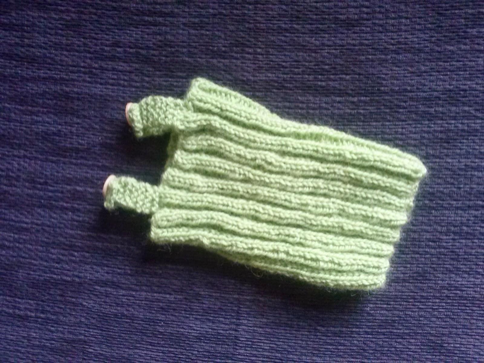 Knitting Pattern Baby Singlet : 3 Bags Full: Preemie singlet - free knitting pattern