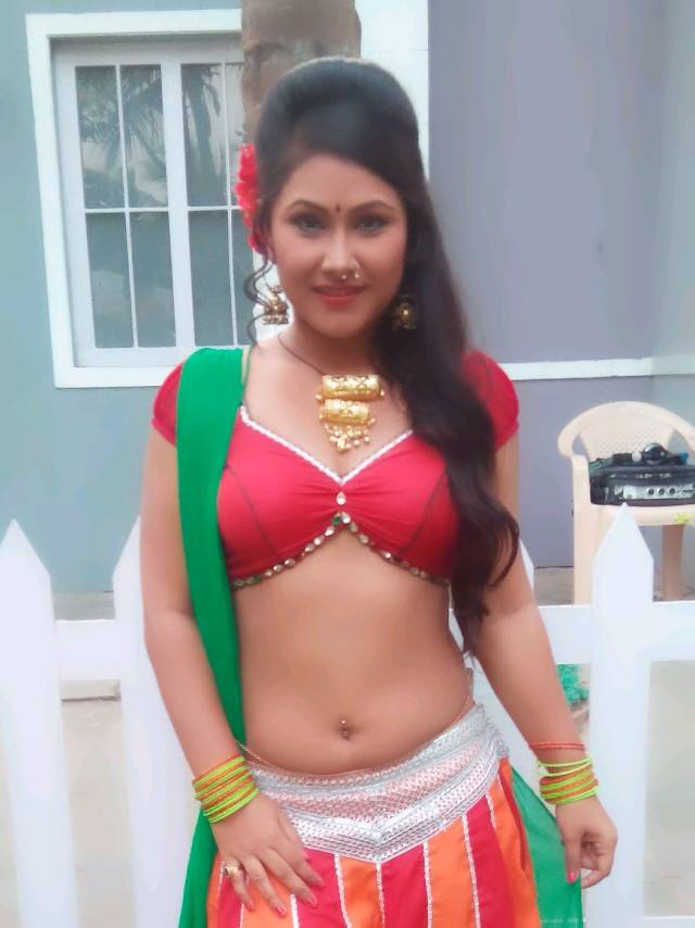 Priyanka Pandit HD Wallpaper: Latest Priyanka Pandit Hot ...