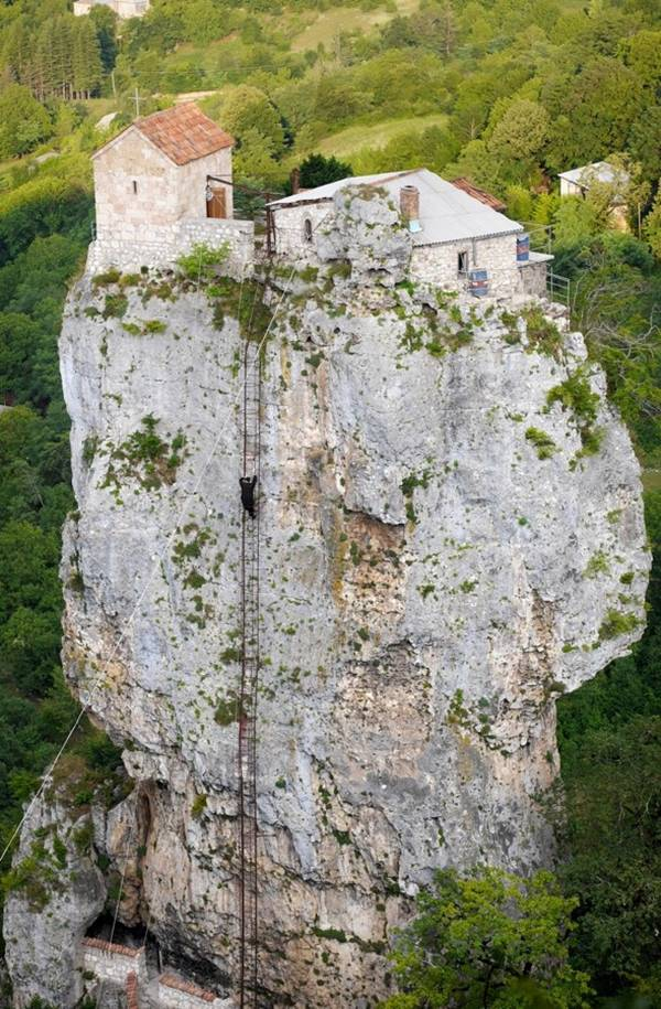 This is what we call dedication to a cause. In an isolated region of the Caucasus a Georgian monk is spending his days in prayer and silence atop a 40-metre pillar of limestone.