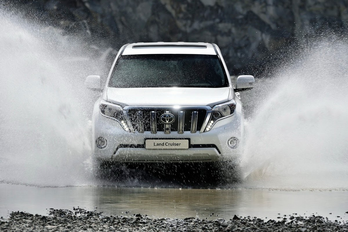 Toyota Land Cruiser 4x4 SUV 2013