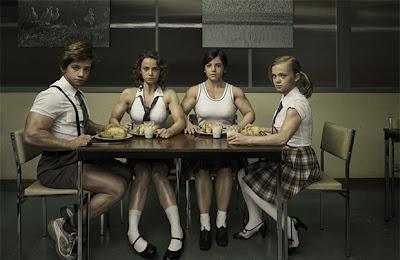 Equipo femenino ruso de levantamiento de pesas.
