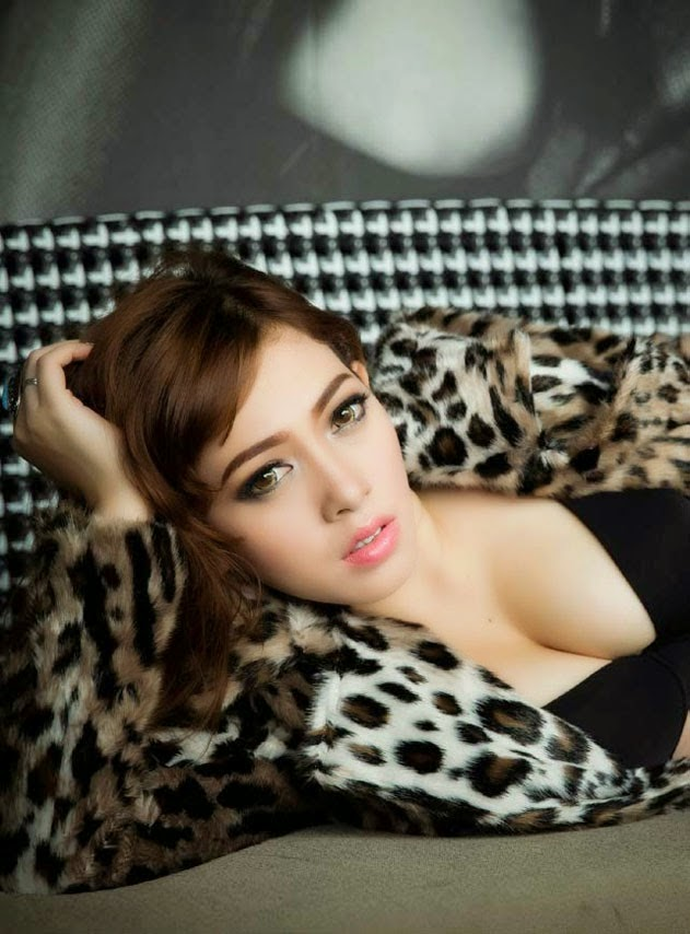 zahra jasmine topless and nude