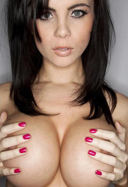 Emma Glover Nude