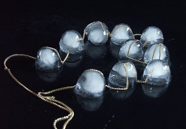 ice cube necklace,Katharina Ludwig