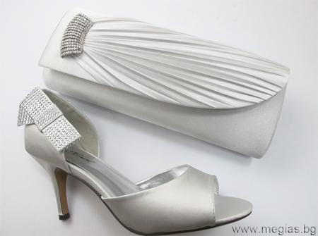 комплект чанта и обувки в седефено бяло