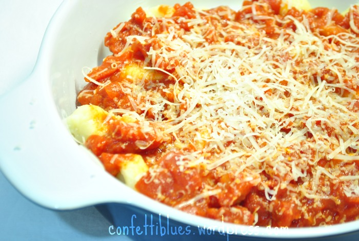 Tomato meat sauce, in it's many variations, is a famous Italian staple ...