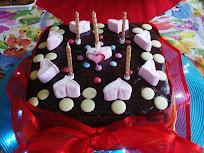 DEEElicious Chocolate Cake