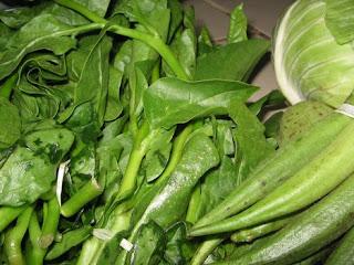 الخضروات الورقية يساعد في علاج حموضة المعدة - حرقة المعدة