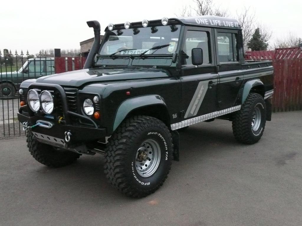 oturga l g t rge ler land rover defender 110 double cab pick up part 1. Black Bedroom Furniture Sets. Home Design Ideas