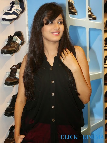 Swetha Jadhav New Hot Photos and Stills