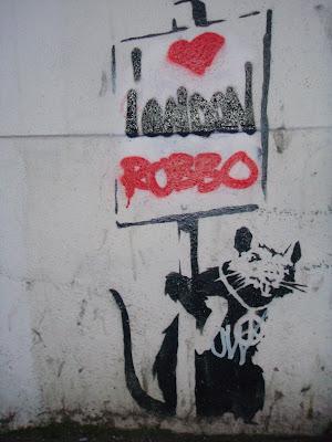 http://4.bp.blogspot.com/-Dhgf7UpLrK4/Tg0dsAu37kI/AAAAAAAACr8/0bCTdHx1IhE/s400/Banksy-Robbo-3.jpeg
