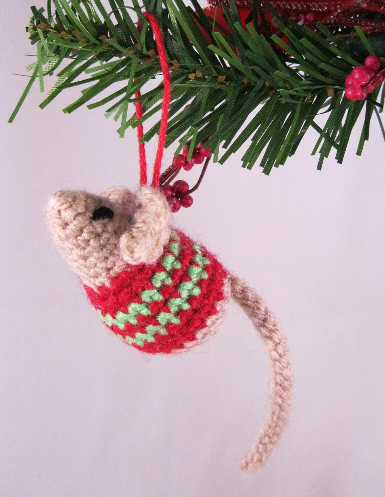 you can add a loop so you can hang it on your christmas tree give it as a sweet little stocking filler or fill it with catnip as a present for your cat