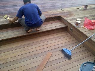 Contoh pemasangan lantai kayu outdoor
