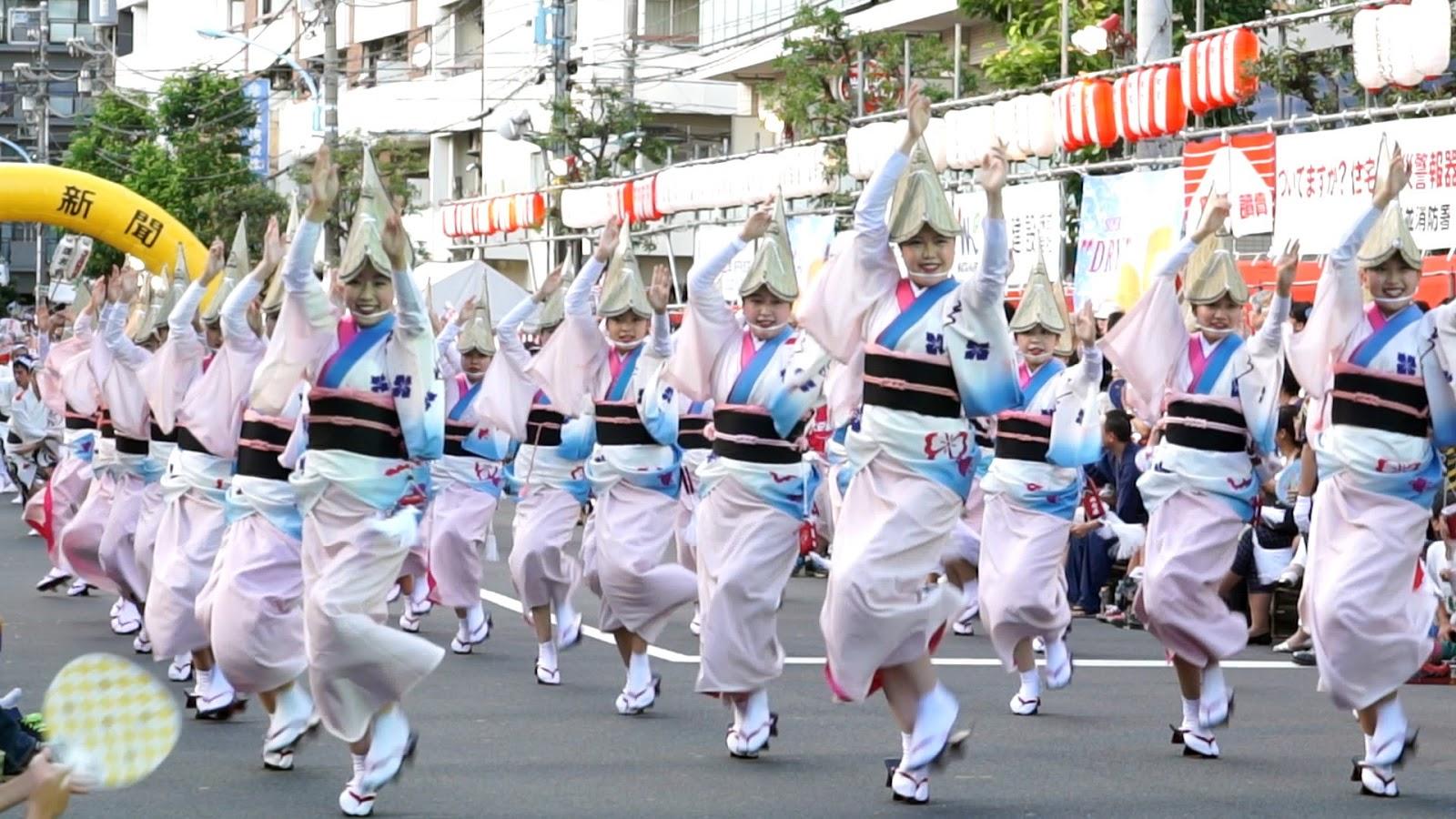 高円寺阿波おどり、徳島の天水連の動画を見る
