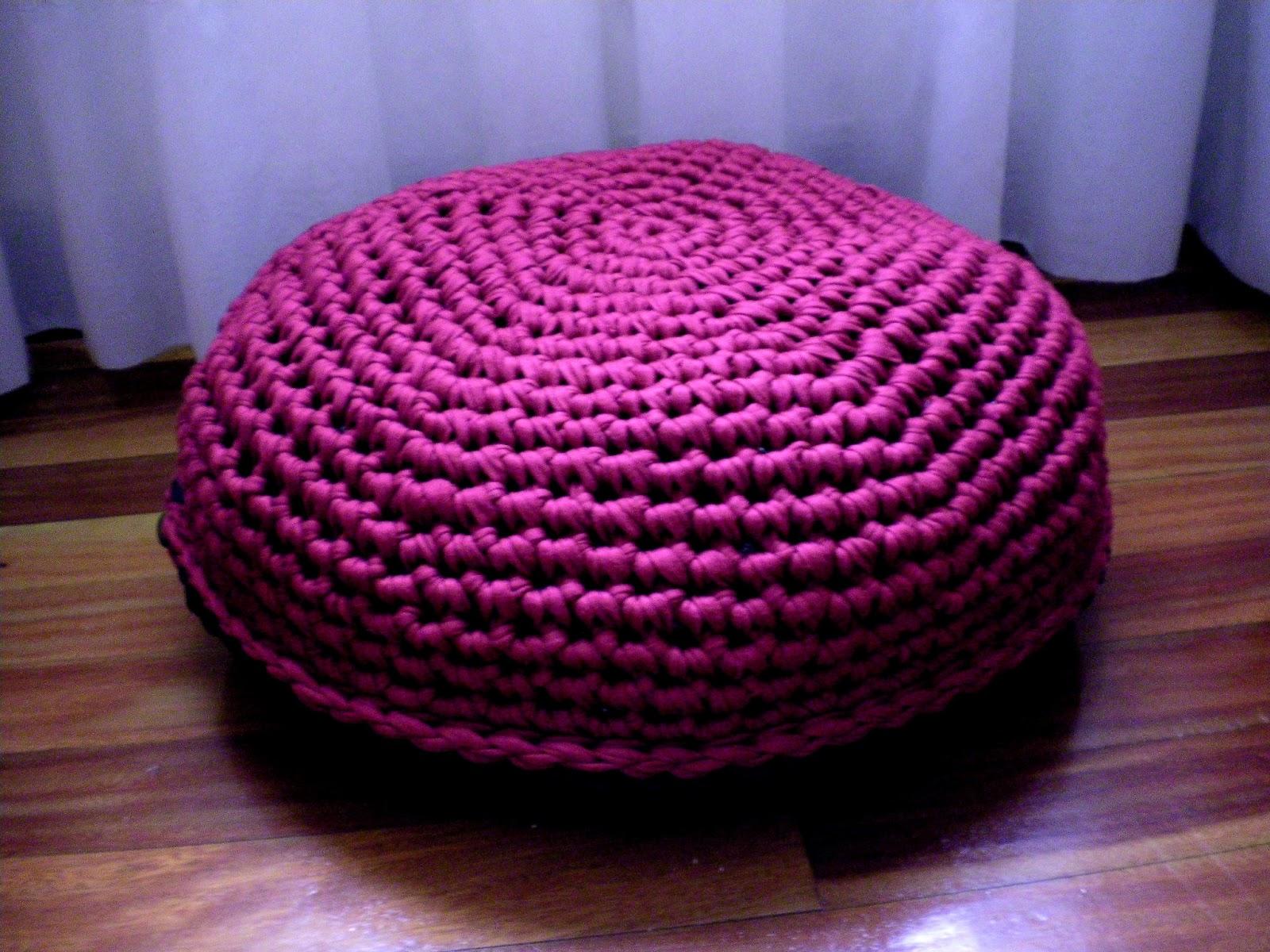 Maia knit puff - Puffs de trapillo ...