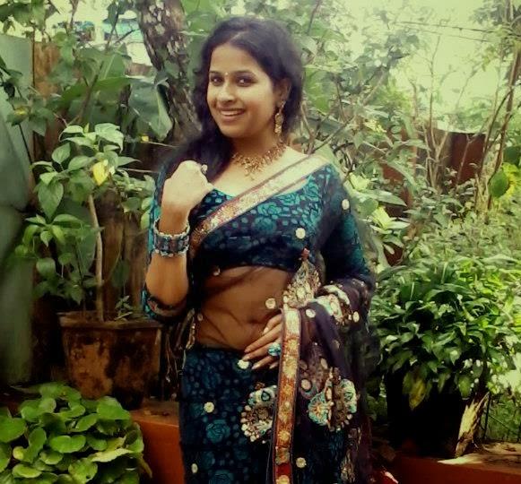 Actress Rare Collections Subi Suresh Navel Slip In Saree