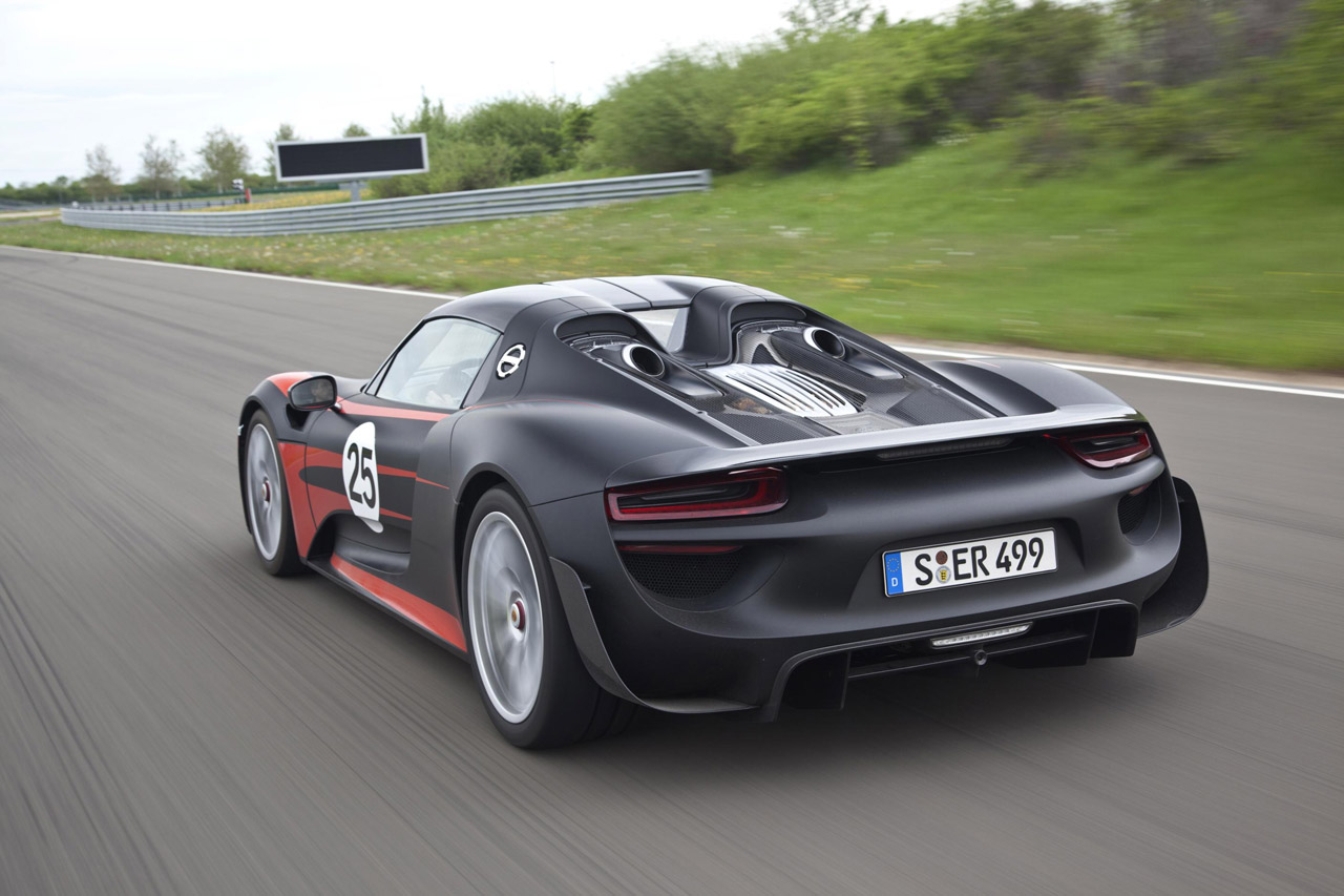 automotiveblogz 2015 porsche 918 spyder photos. Black Bedroom Furniture Sets. Home Design Ideas