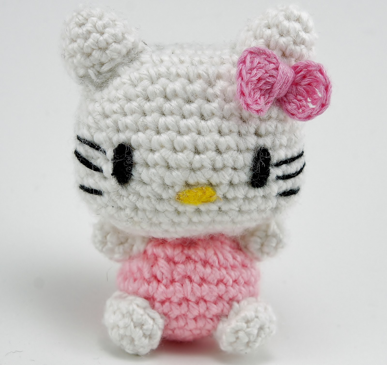 Mini Hello Kitty Amigurumi Patron : Hello Kitty amigurumi for a friend Handmade Kawaii