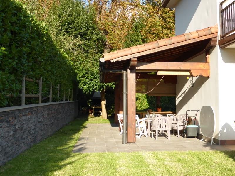 Mi casa en hondarribia adosada en venta con estupendo for Casa y jardin bazaar 2013
