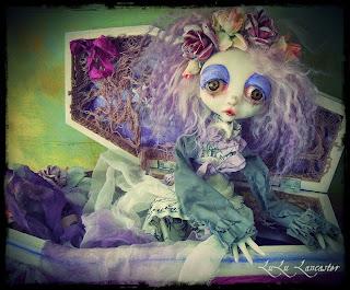 Ellendres Gloom LuLusApple Art Doll Coffin Girl