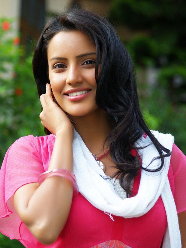 Priya Anand latest hot pics