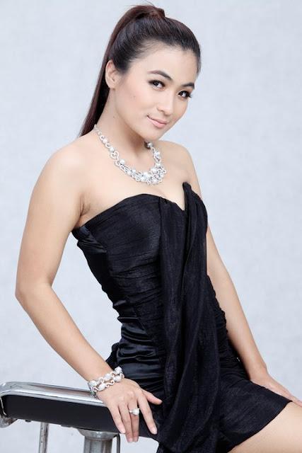 myanmar famous actress khin lay nwe