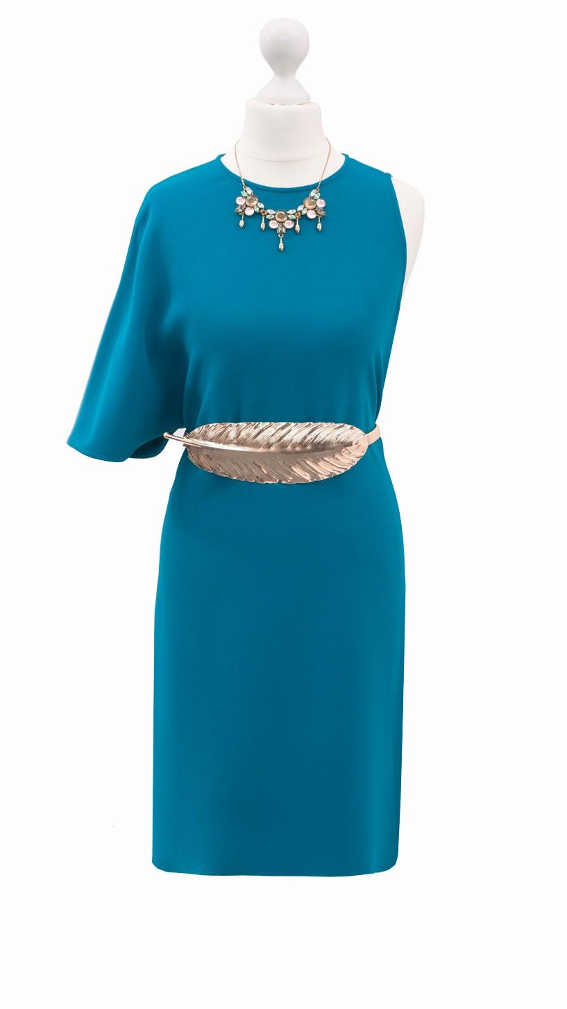 Vestidos De Baño Angel Azul:es un vestido de coctel de angel schlesser con un