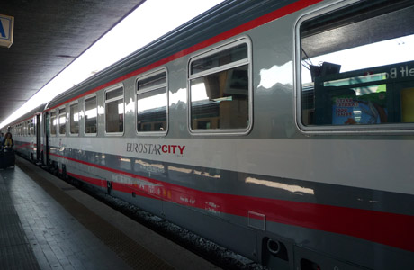 Tren, Italia, estación del tren