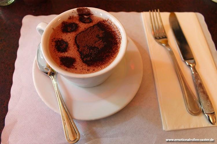 Kakao mit Tatze